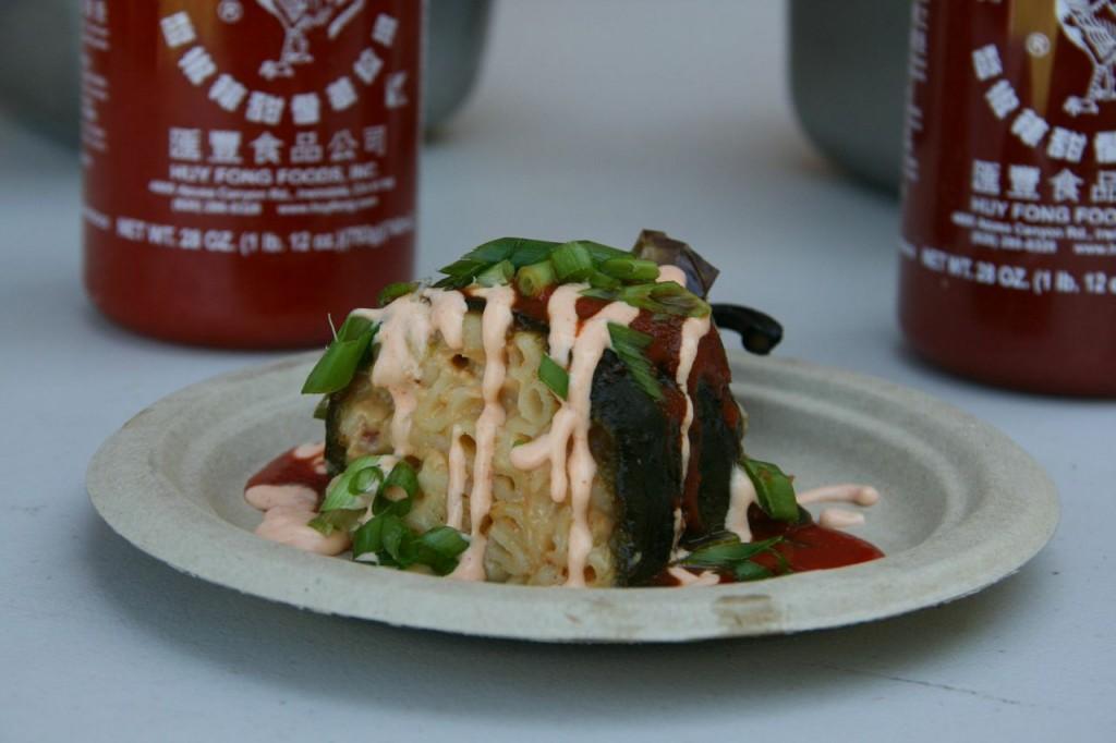Sriracha Bacon Mac-A-Reno