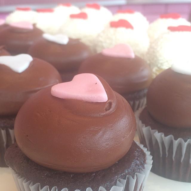 Kara's Cupcakes - Valentines Day Cupcakes