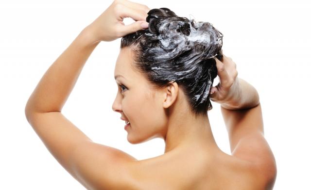 philip-kingsley-shampooing-lathering