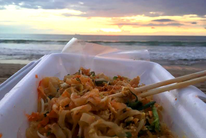 Thailand Street Food pad thai beach