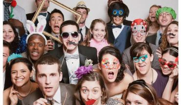 corporate-holiday-party-photobooth