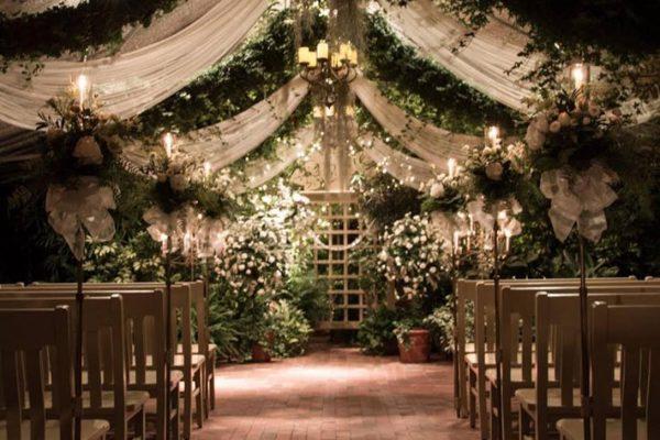 diy-rustic-wedding-seating