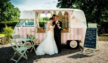 there are many food trucks that are cute for your wedding