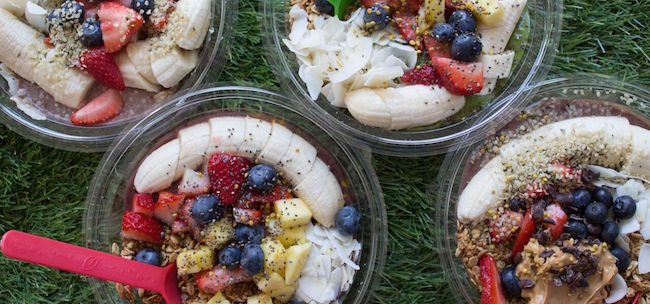Acai bowl from one of the healthiest food trucks in Los Angeles.